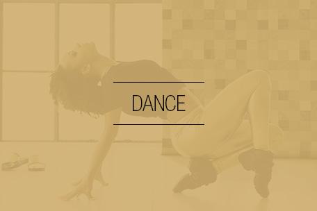 Hos Stræk og Bøj finder du et flot udvalg af dansetøj i form af dansesko og dansebukser etc.